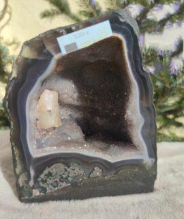 Geoda De Amatista Con Cristalización De ágata
